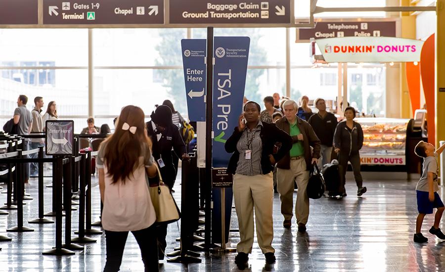 Αποτέλεσμα εικόνας για Almost $1 million left behind at U.S. airports in 2018